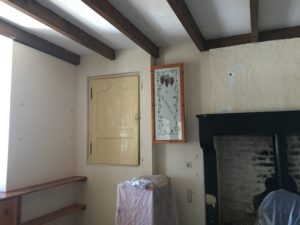 Poutres et murs avant peinture